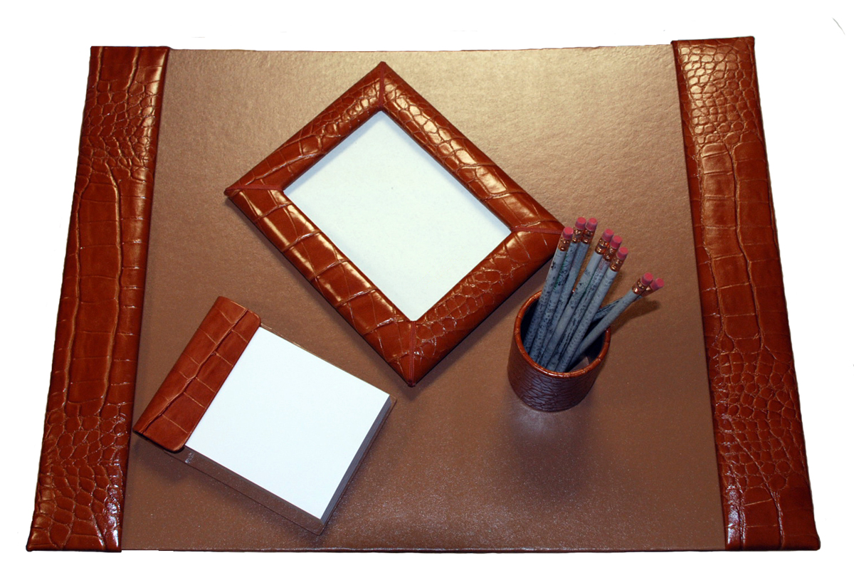 Um 4 Piece Reptile Grain Leather Desk Pad Sets With Free In The Continental United States